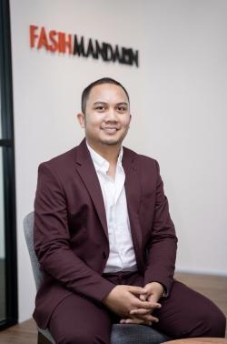 Mandarin Chinese and Malay Language Tutor Ros Mohamad Shah Farid from Calgary, AB