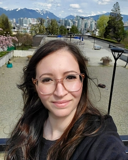 French Language Tutor Zineb from Vancouver, BC