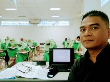 Indonesian Language Tutor Edi from Bekasi, Indonesia