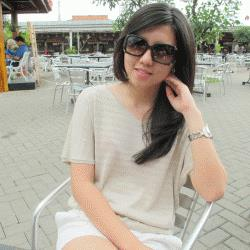 Online Indonesian Language Tutor Nicky
