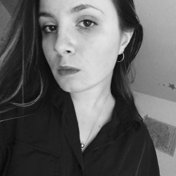 English and Slovenian Language Tutor Eva from Paris, France