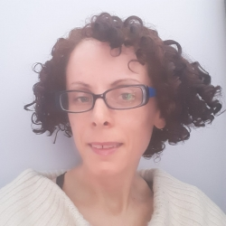 French and English Language Tutor Mireille from Pointe-Claire, QC
